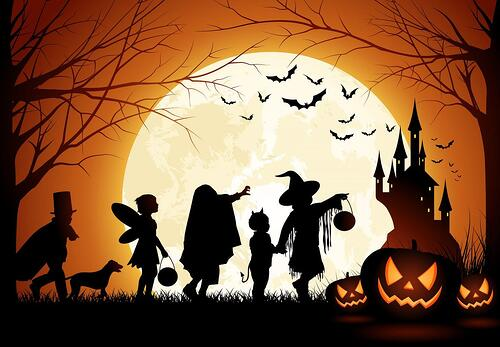 5 Ways To Keep Your Lawn Safe For Trick or Treaters
